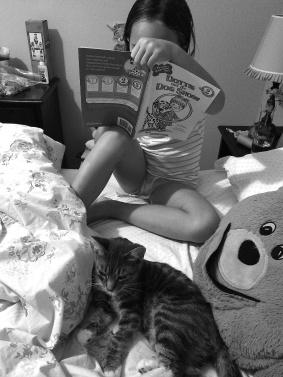 Scarlett listening to Ava read